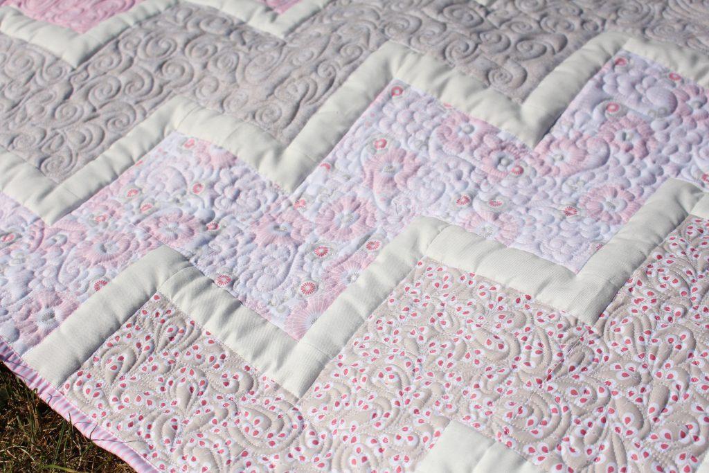 Chevron Quilt rosa Detail 2